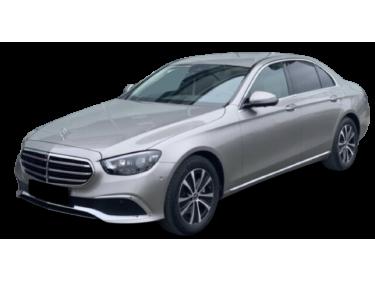 Mercedes-Benz E 200 4MATIC...